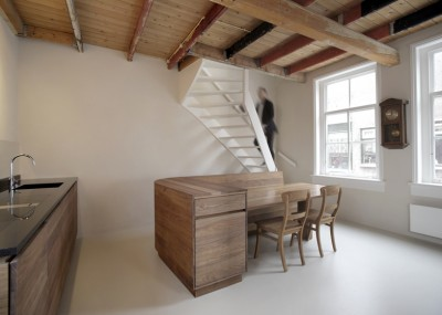 Pied-a-terre-Unknown-Architects_5-400x285